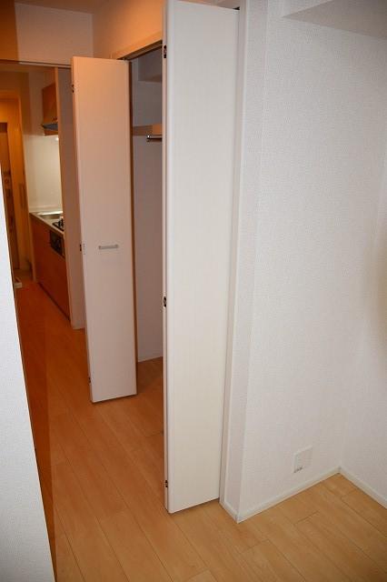 リバーサイド・大江 02050号室の収納