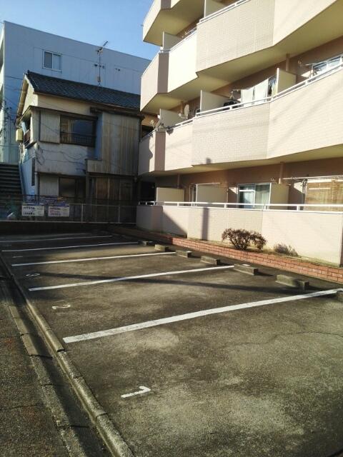 光マンション 02030号室の駐車場