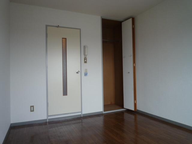 光マンション 02030号室のリビング