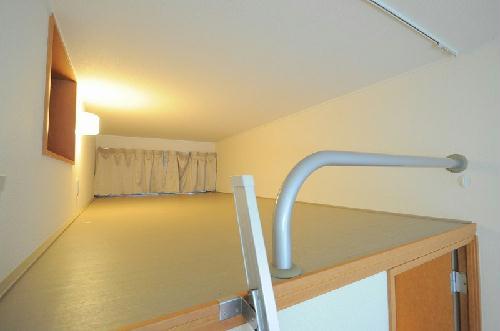 レオパレスエスポア屋敷代 201号室のベッドルーム