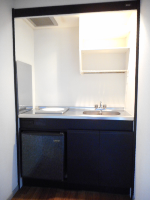 ニュープレジオ高畑 04020号室のキッチン
