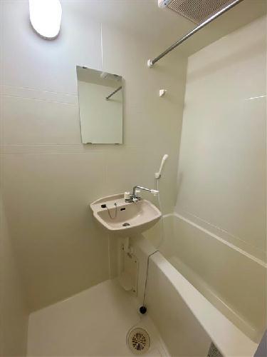 レオパレスサーティーンストーンⅢ 201号室の風呂