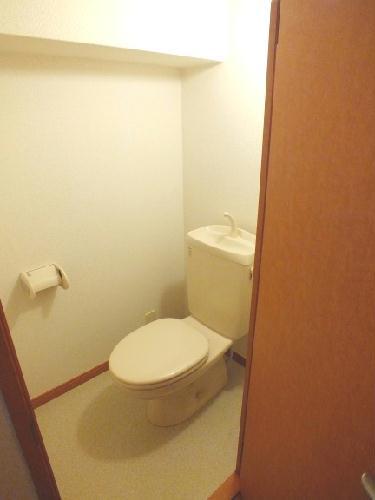 レオパレスガーデンヒルズ 201号室のトイレ
