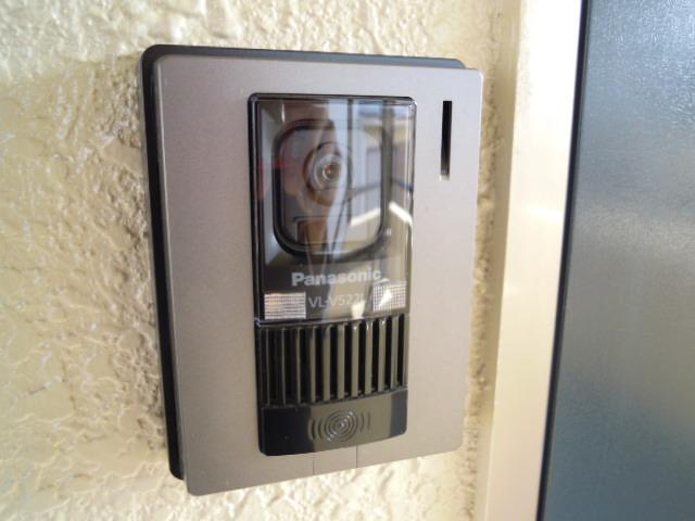 ハウスサンライズ 208号室の玄関