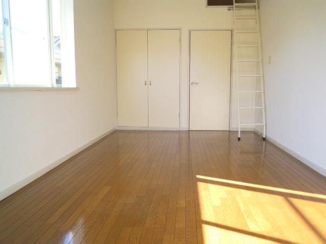 ハウスサンライズ 208号室の収納