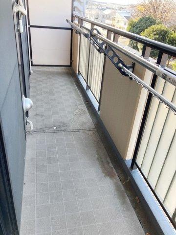 ダイアパレス湘南台Ⅱ 310号室のバルコニー