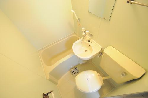 レオパレス別府 107号室のトイレ
