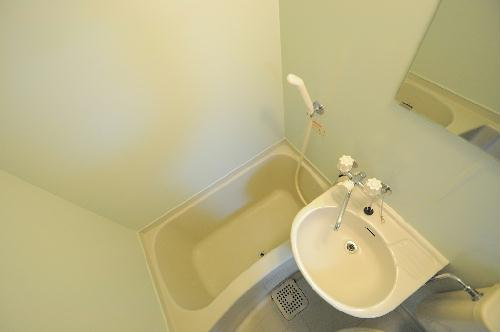 レオパレス別府 107号室の洗面所