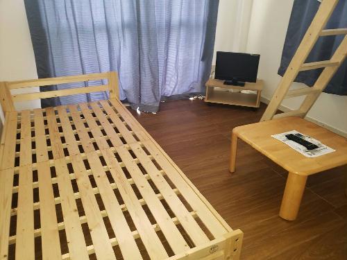 レオパレス都立大学第3 102号室のベッドルーム