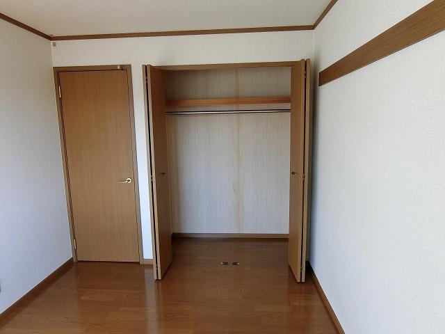 ヒルズⅣ 01030号室の収納