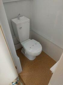 松栄荘 201号室のトイレ