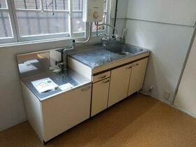 松栄荘 201号室のキッチン
