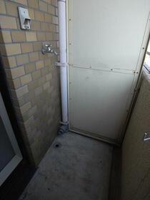 ペガサスマンション経堂 405号室のバルコニー