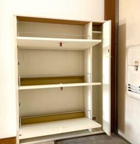 ミキコーポ小平 201号室の玄関