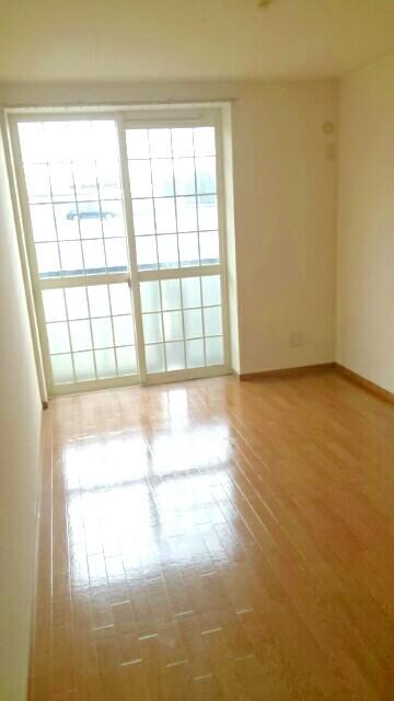 オーブリー 森 01020号室のリビング