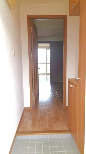 オーブリー 森 01020号室の玄関
