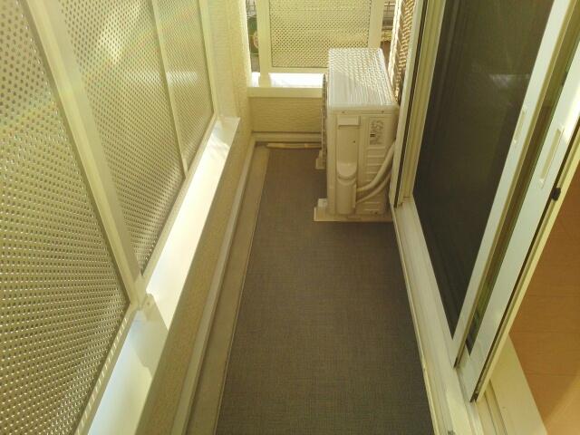 ポート泉佐野 A棟 01050号室のバルコニー