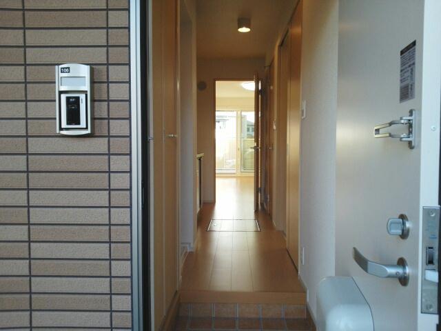 ポート泉佐野 A棟 01050号室の玄関