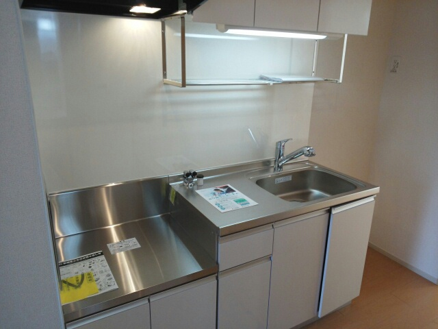 ポート泉佐野 A棟 01050号室のキッチン
