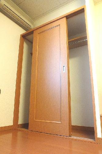 レオパレスザーリア 104号室の収納