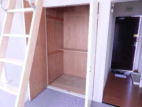 レオパレス千亀利 202号室の収納