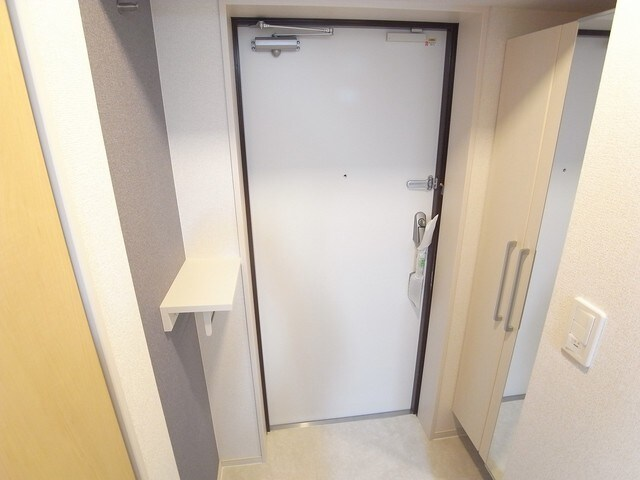 AZresidence草津本陣 03040号室の玄関