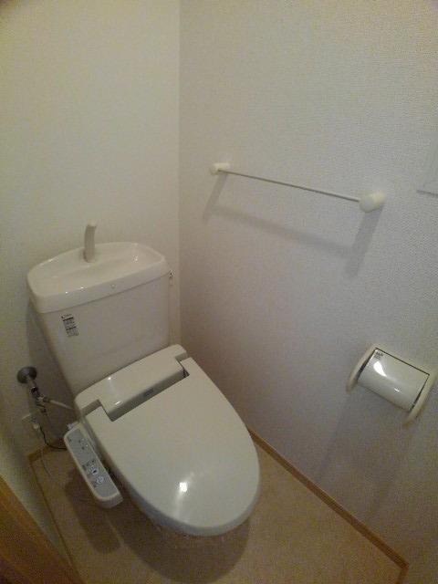 アルカンシエル・ド・ナナ Ⅱ 02020号室のトイレ