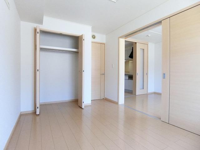 サンシャインレジデンスA 01010号室の収納