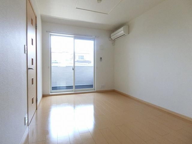 サンシャインレジデンスA 01010号室のリビング
