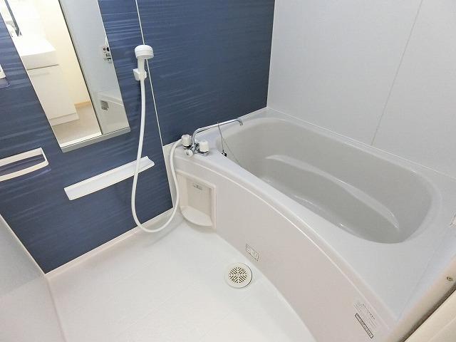 サンシャインレジデンスA 01010号室の風呂
