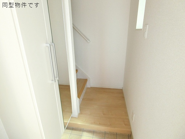 コクテール 02010号室の玄関