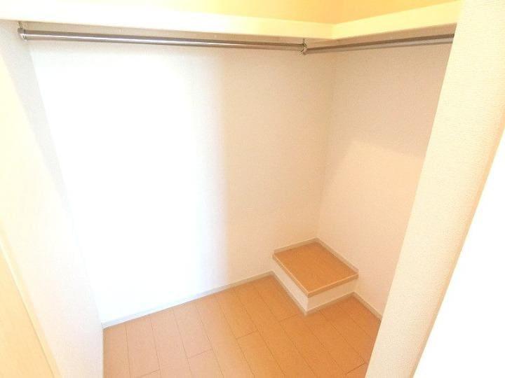 リバーサイドさくらB 02020号室の収納
