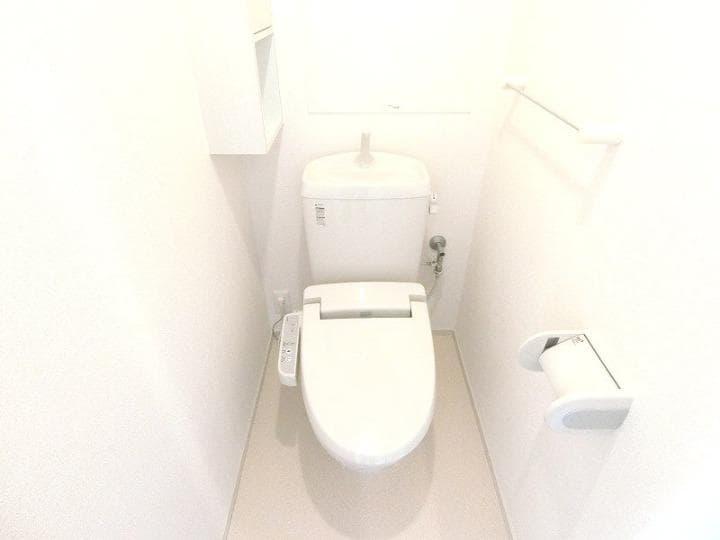 リバーサイドさくらB 02020号室のトイレ