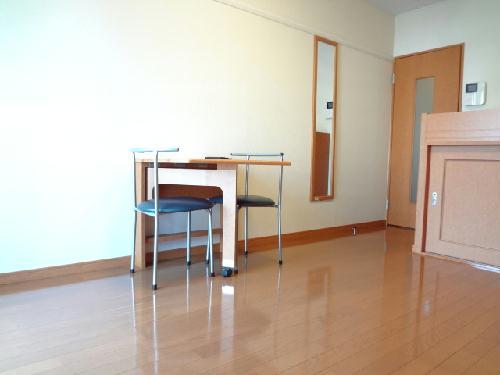 レオパレスフォンティーヌ 104号室のリビング