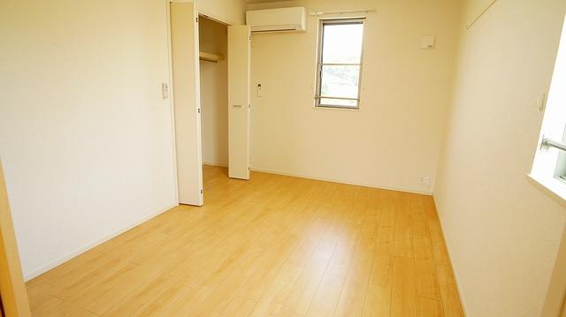 カームリー 02010号室の収納