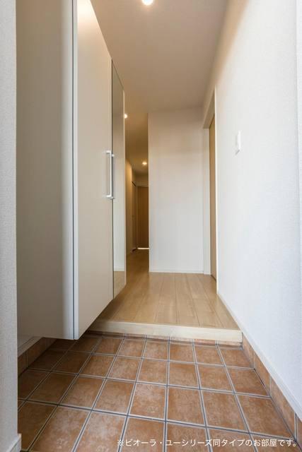 コンフォート粟野西Ⅰ 01020号室の玄関