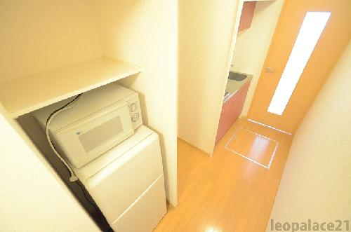 レオパレスMINAMIⅢ 205号室のキッチン