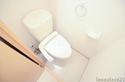 レオパレスMINAMIⅢ 205号室のトイレ