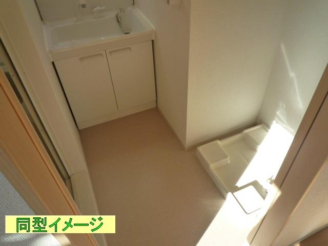 リトルグローブⅤ 01010号室の洗面所