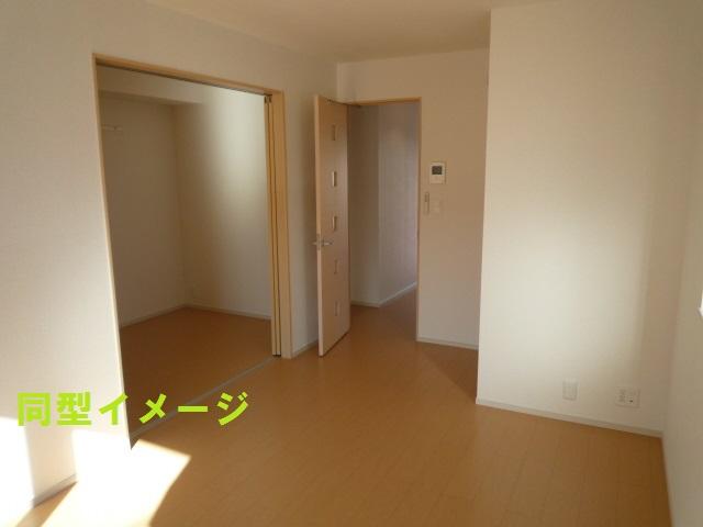 リトルグローブⅤ 01010号室のリビング