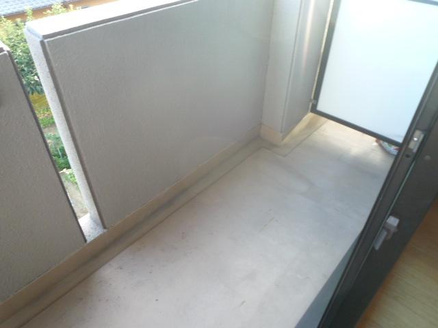 パルテール ヴィラ K 02020号室のバルコニー