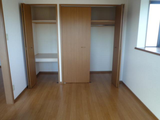 パルテール ヴィラ K 02020号室の収納