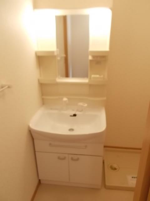 メゾン ソレイユA 01020号室のトイレ