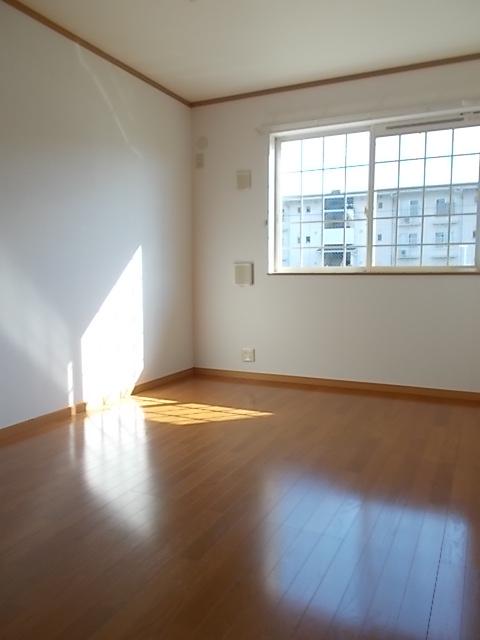 メゾン ソレイユA 01020号室のキッチン
