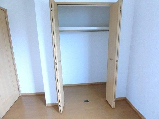 グラン ソレイユB 01030号室の収納