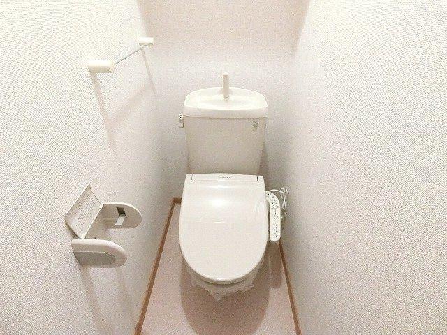 グラン ソレイユB 01030号室の洗面所