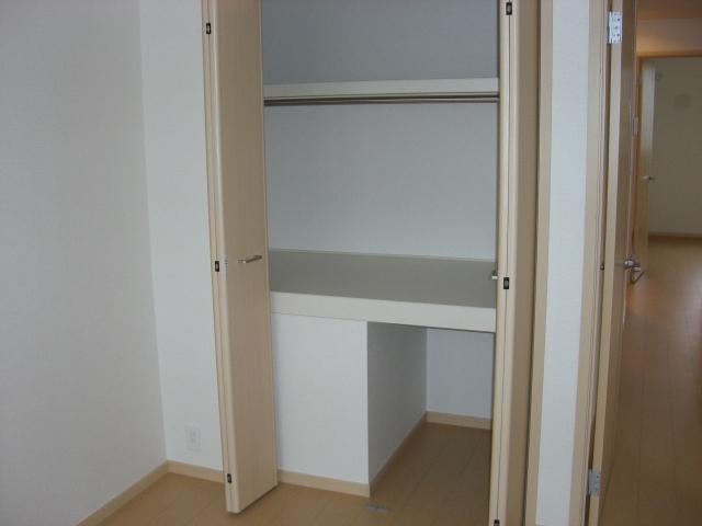 シャンプワールヒルズA棟 02030号室の収納