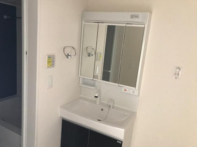 レガーレ 102号室の洗面所