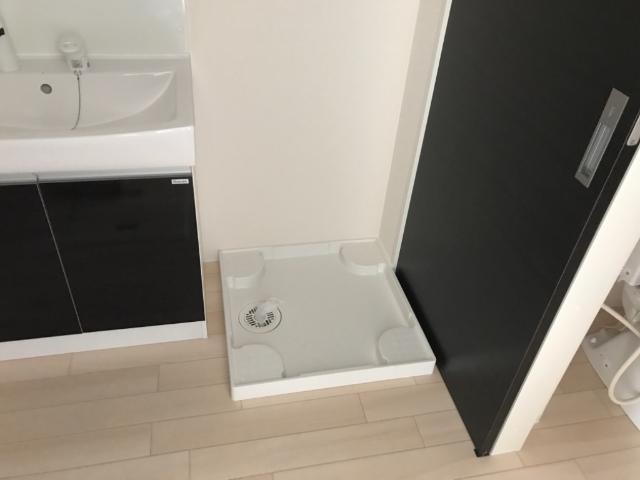 レガーレ 102号室のトイレ