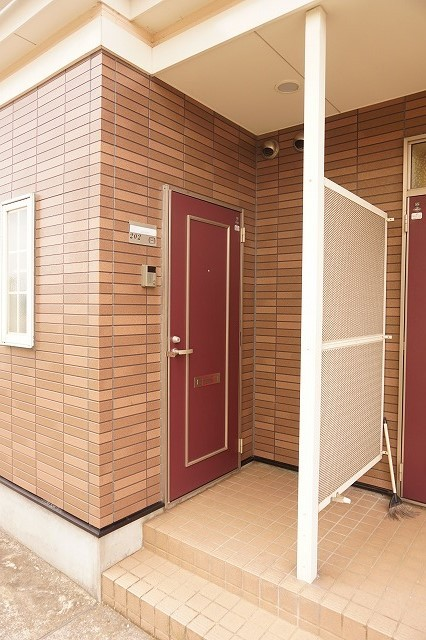 スカイハイツK A 02010号室のエントランス